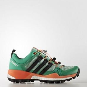 Zapatillas Adidas para mujer terrex skychaser core verde/core negro/easy naranja BB0946-245
